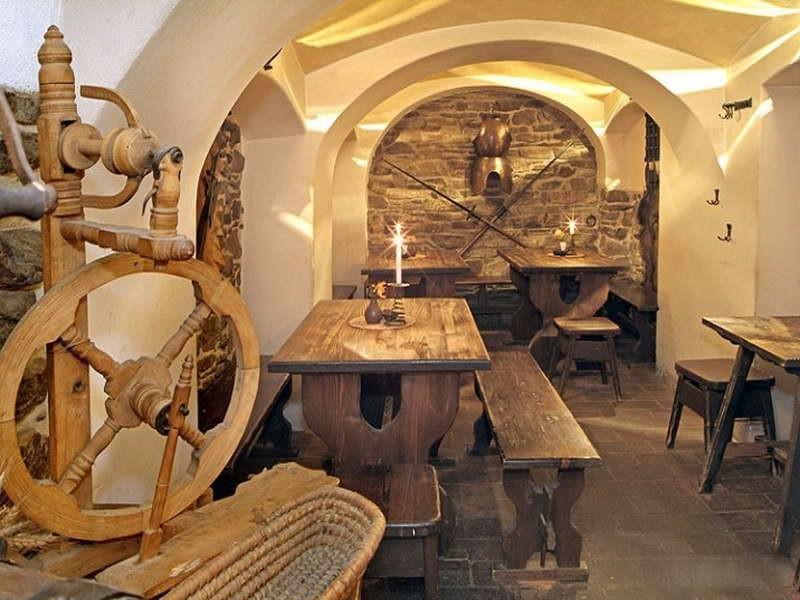 Мебель в средневековом стиле своими руками 63
