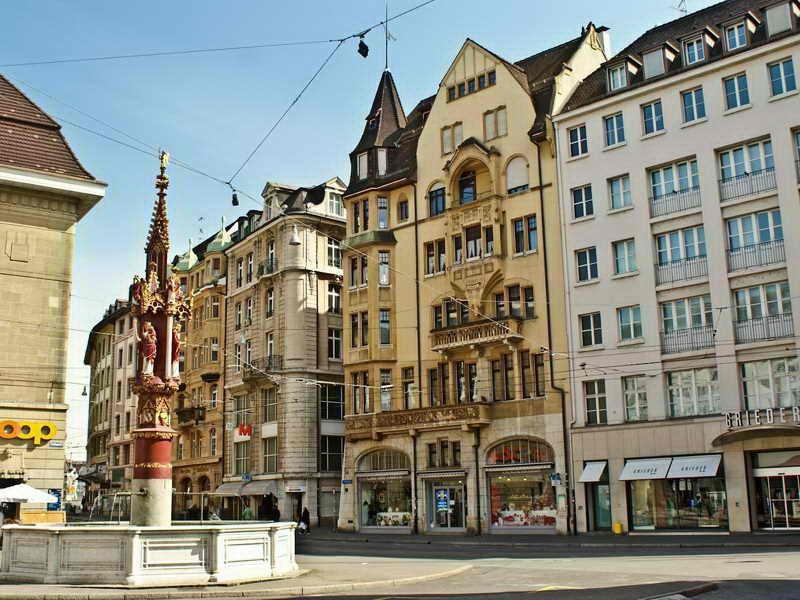 Базель расположен на пересечении границ трех стран - швейцарии, германии и франции на высоте 278 м