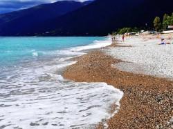 2. Гагра (Абхазия) - пляж