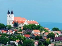 Балатон (Венгрия) - Бенедиктинский монастырь в Тихани