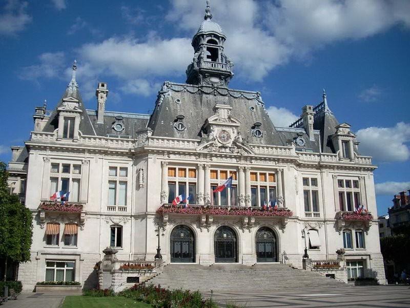 Водолечебница Виши - самая известная во Франции