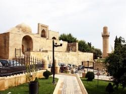 1. Баку (Азербайджан) - дворец Ширваншахов