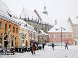 Брашов (Румыния) - главная площадь Пьяца Сфатулуй