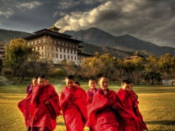 1. Бутан - монахи