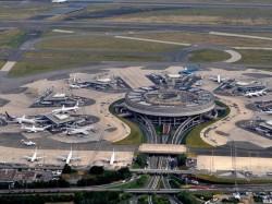 1. Франция - международный аэропорт Шарля де Голля в Париже