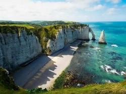 1. Франция - скалы Этрета у берегов Нормандии