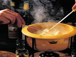 1. Национальная кухня Швейцарии - Фондю