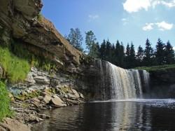 1. Эстония - водопад Валаста
