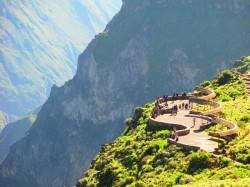 2. Перу - смотровая площадка на каньоне Колка