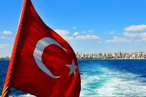<strong>В Турции открылся купальный сезон</strong>