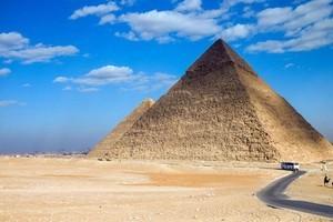 В Египте после реставрации вновь открыта пирамида Хефрена