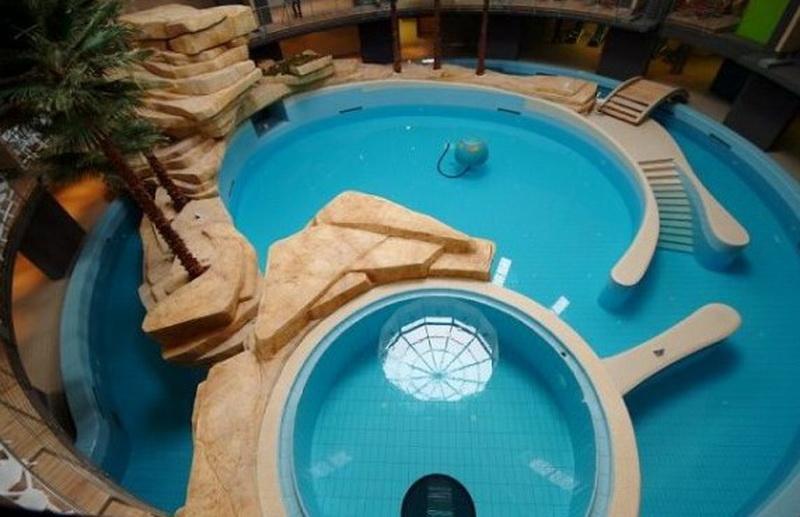 После аквапарка планируется посещение ночного клуба. НОЧНОЙ КЛУБ.